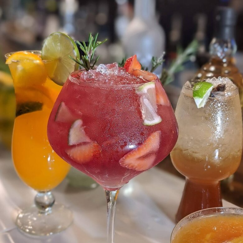 cocktail-bars-in-vancouver
